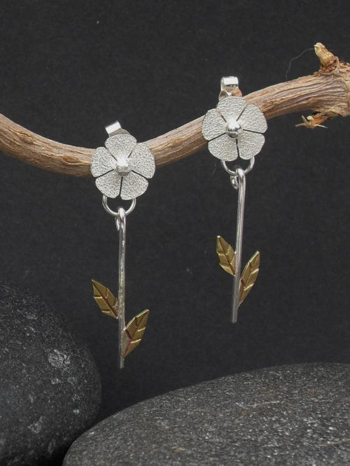 Pendulum flower earrings